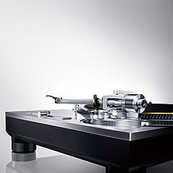 Technics SL-1200 Direktantrieb Plattenspieler für HiFi und DJ. Analoges HiFi für Musik und Club